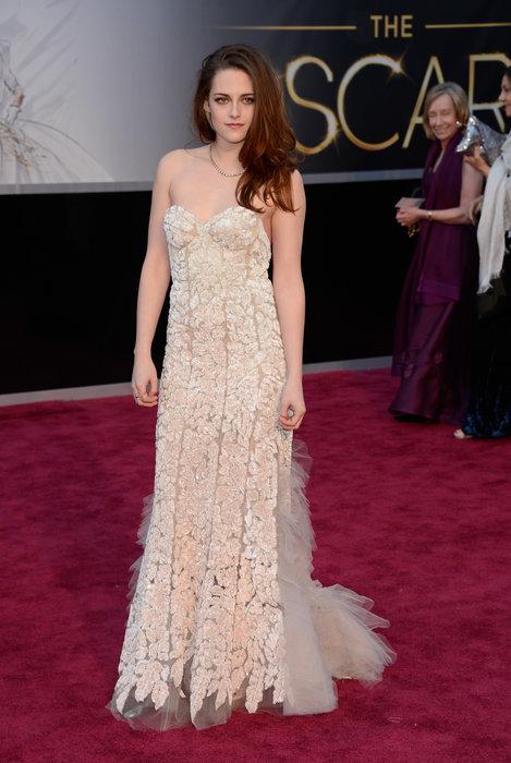 Não sei exatamente o que é, mas esse look da Kristen Stewart não me agrada