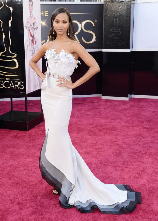 A parte de cima do vestido da  Zoe Saldana não colaborou com o look.