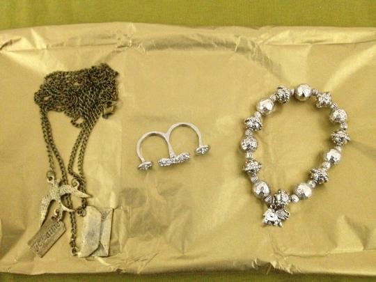 Comprinhas - colar, anel e pulseira
